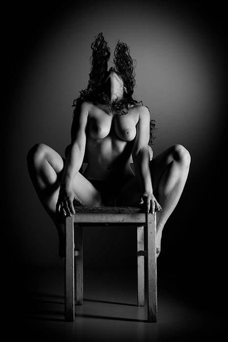 010_Nude